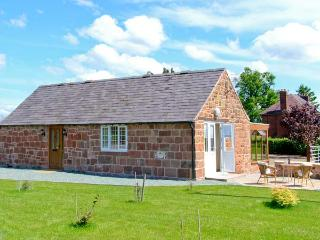 BYRE COTTAGE, detached, stone-built barn conversion, single-storey, sun room, gardens, walks, in Nesscliffe, Ref 906694 - Shropshire vacation rentals