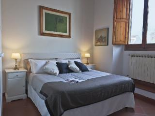 Piazza della Passera | Delightful Apartment with 2 Bedrooms in Charming Piazza - Florence vacation rentals