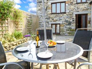 THE BYRE romantic retreat, lovely countryside near Cartmel Ref 905180 - Cartmel vacation rentals