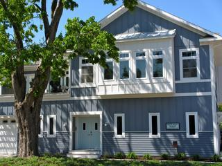 Exterior Main Entrance - Maple St- 5 Bedrooms* 2 Blocks To South Beach! - South Haven - rentals