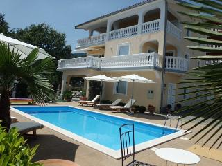 Villa Chiara - Apartments with Pool and  beautifull seaview - Icici vacation rentals