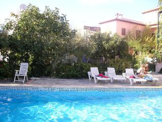 Granada Country House, duplex, pool, garden, WiFi - Niguelas vacation rentals