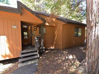 Frisby Treehouse - Shaver Lake vacation rentals