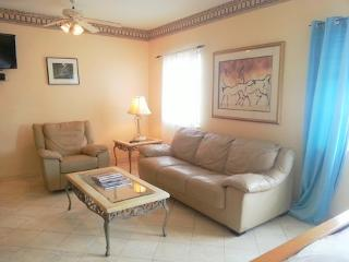 Charming apartment just 1 block to Ocean Drive - Miami Beach vacation rentals