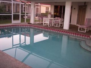 2/2/1 BEAUTIFUL VACATION VILLA WITH PRIVATE POOL ON GOLF COURSE - Lehigh Acres vacation rentals