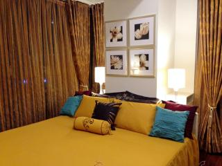 Classy Contemporary 1 Bedroom Suite at the Fort - Taguig City vacation rentals