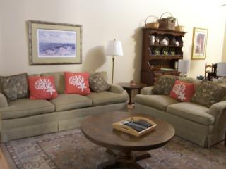 3 Bdrm Villa Selectivly Pet Friendly Close to Beach, Shipyard - Hilton Head vacation rentals