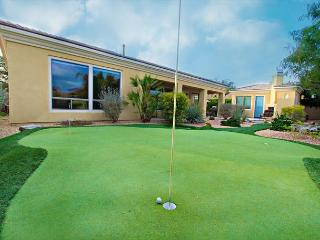'Augusta' Putting Green with Water Features, Pool , Spa, Outdoor Fireplace - La Quinta vacation rentals