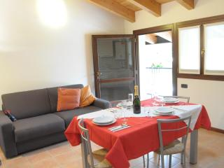One-bedroom Apartment by Residence Valpolicella - Sant'Ambrogio di Valpolicella vacation rentals