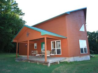 Secluded Luxury Cabin with hot tub and ATV trails - Arkansas vacation rentals