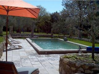 Charming cottage with private pool and view of the Luberon - Merindol vacation rentals