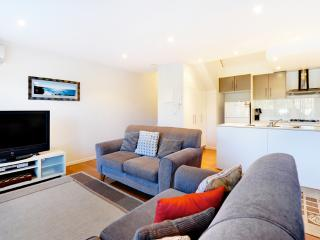 K-Bay 5 - 3 Bedroom house Just 200 m to the beach - Coffs Harbour vacation rentals
