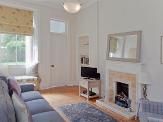 Classic Marchmont Charm @ The Meadows - Edinburgh vacation rentals