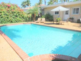 Lake Breezes 3/3 8 guests Heated Pool Beach 1243 - Hollywood vacation rentals