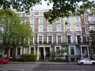 HYDE PARK HARRODS CROMWELL FLAT34 dbl 4bed4bath in Kensington - London vacation rentals