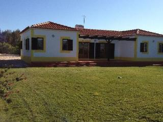Family friendly holiday home for 6  people with community pool - PT-1078488-Vila Nova de Milfontes - Centro Region vacation rentals