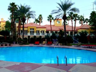 Luxury 2/2 only 1 block from the Strip w/ views - San Diego vacation rentals