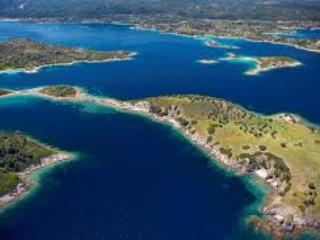 Bird's eye view of the area - Ormos Panagias, 2 bedr flat, steps from sea,  1. - Ormos Panagias - rentals