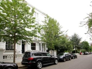 Palace Gardens Terrace, Kensington, W8. - London vacation rentals