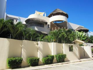 Mirasol; Beautiful, very spacious 3 bedroom condo! - Playa del Carmen vacation rentals
