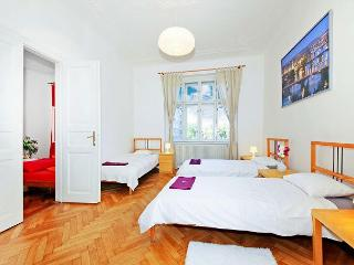 2 BR 10 min walk from Old Town Square and Charles Bridge - Prague vacation rentals