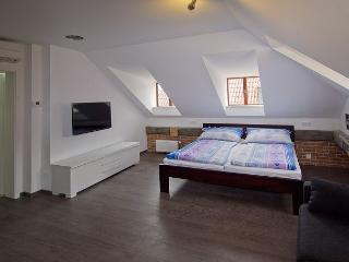 Your romantic nest in Prague's Old Town. - Prague vacation rentals