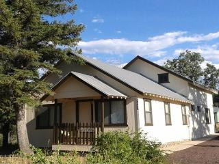 Kerby's Vallery Lane Cabin - Lakeside vacation rentals