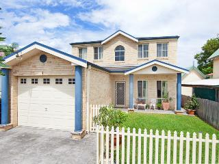 Big House in Central Coast -100m to beach and lake - The Entrance vacation rentals