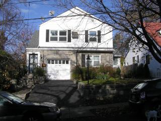Cosy 2 bedroom apartment with garden - Westchester County vacation rentals