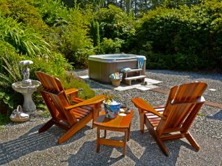 Surf Shack Cabin & Hot Tub at Chesterman Beach - Tofino vacation rentals