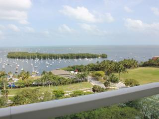Sonesta Resort 3/3.5, sleeps 10, 2-free parking,direct waterview!! - Coconut Grove vacation rentals