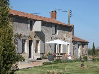 Recently renovated house with character, with private pool and tennis court close to the sea - Vendee vacation rentals