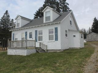 Hattie's Cottage ~* Ocean view~Wi-Fi~In-town* - Stonington vacation rentals