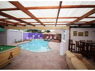Self catering or B&B double studio rooms - East London vacation rentals