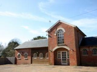 The Coach House offers 2 bedrooms, 2 bathrooms with private garden - Private 2 bedroom rural retreat in the Weald - Hawkhurst - rentals