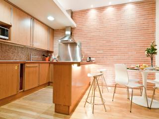 Santa Ana apartment - Madrid vacation rentals