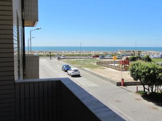 Apartment close to the beach for 4 people  with sea view - PT-1078760-Praia de Esmoriz - Centro Region vacation rentals