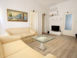 CR101Lecce - B&B  The apartment - Lecce vacation rentals
