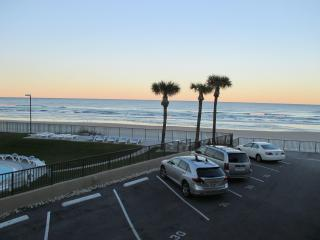 Elegant beachfront condo daytona beach florida - Daytona Beach vacation rentals