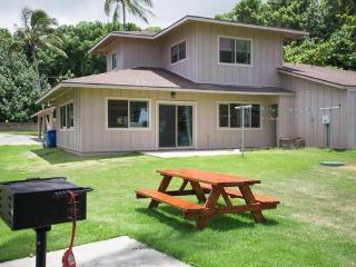 Homestead Hideaway - Sleeps up to 12, Near the Beach & PCC - North Shore vacation rentals