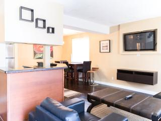 SLEEK & MODERN 2 BEDROOM APARTMENT - Calgary vacation rentals
