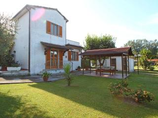 Vacation Home in Montignoso near Sea - Tuscany - Montignoso vacation rentals