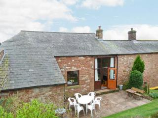 OLD MILL BARN, pet-friendly, woodburning stove, WiFi, two sitting areas, Ref 905723 - Penrith vacation rentals