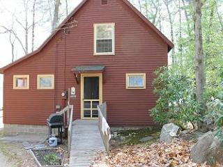 Lovely Vintage Lakehouse Waterfront on Lake Waukewan (MAN84W) - Meredith vacation rentals