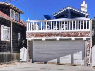 3BR / 2BA Balboa Peninsula Home - Walking Distance to Ocean Beaches and Newport Bay (769330) - Orange County vacation rentals