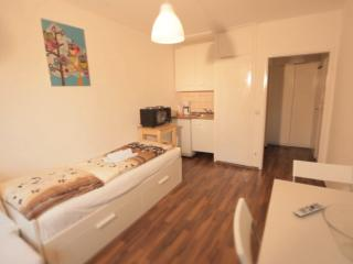 15 Holiday apartment Cologne Höhenberg - Cologne vacation rentals