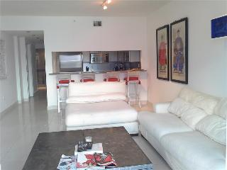 The Topaz  Beautiful condo in the heart of South Beach - Miami Beach vacation rentals