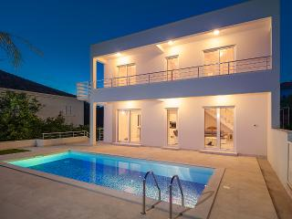 Villa in Perfect Location near Beach and Trogir - Trogir vacation rentals