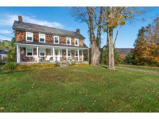 Classic 1810 Vermont Farm House with Mountain Views and 7 Bedrooms - East Arlington vacation rentals