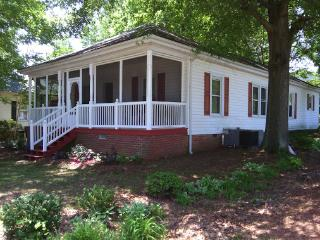 Concord Charlotte house with lots of amenities - Concord vacation rentals